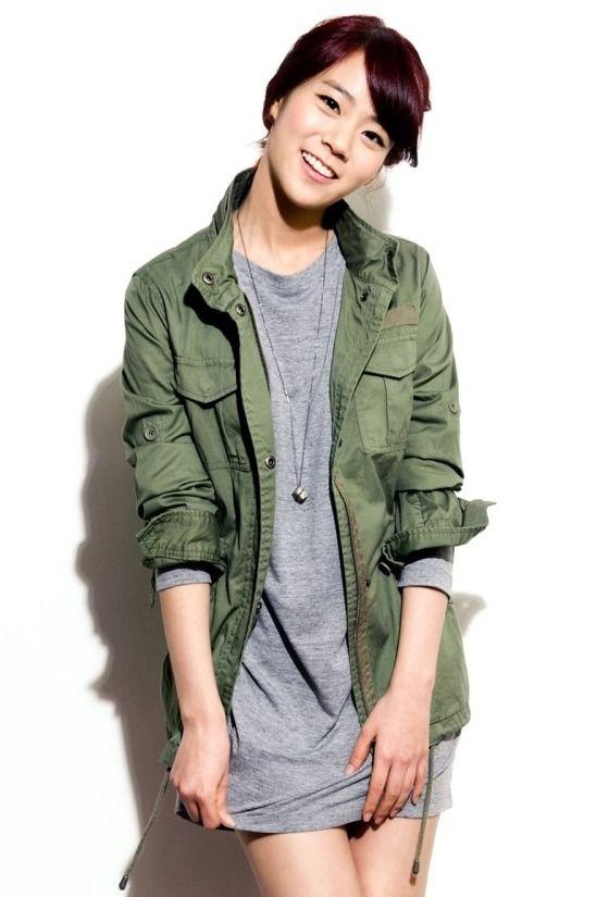 Han Seung-yeon headlines manhwa adaptation » Dramabeans » Deconstructing korean dramas and kpop culture