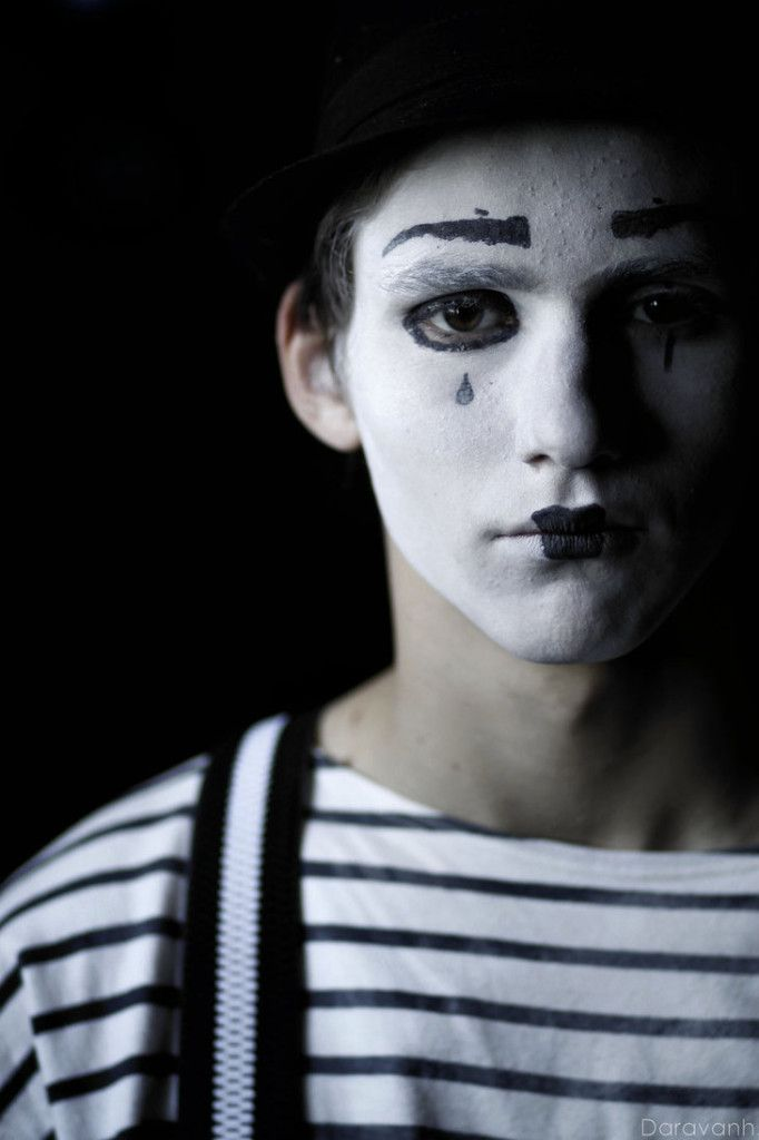 Mime Theme Party - If you want to entertain as a mime at a party there are plenty of options out there that are creative but won't empty your wallet. Face paint is a great way to get into the spirit oft he party without breaking the bank.