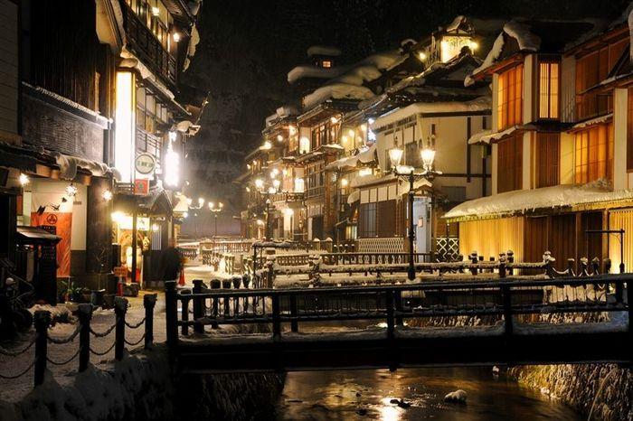 山形県の銀山温泉