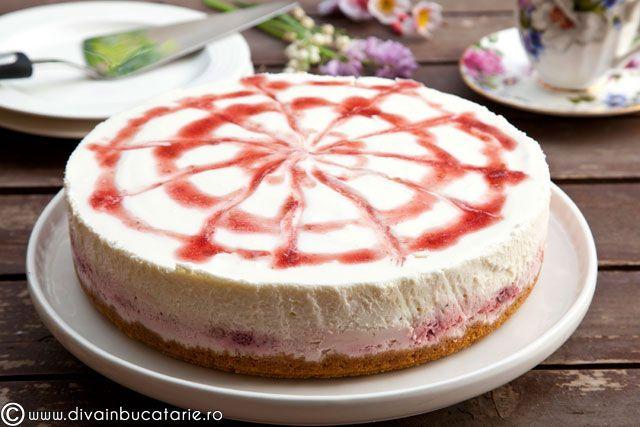 strawberry rhubarb ricotta-mascarpone cheesecake