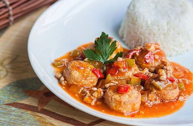 Nasi Tahu Pedas ala @waroenkkito . Salah satu makanan favorit kami yang dijamin nagih dan enak 👍🏽Segera pesan dan hubungi (free delivery): 0878 8667 3072 (WA tersedia)  Jam Buka : 10.00-22.00 Senin - Minggu Menerima pesanan untuk berbagai acara kantor, training dan outing.  #waroenkkito #foodporn #restaurant #nasi #ayam #jakarta #instadaily #karet #karbela #free #delivery #instadaily #indonesianfood #foodism #order #training #outing #foodstagram #call #foodlover #foodlovers #chinesefood…