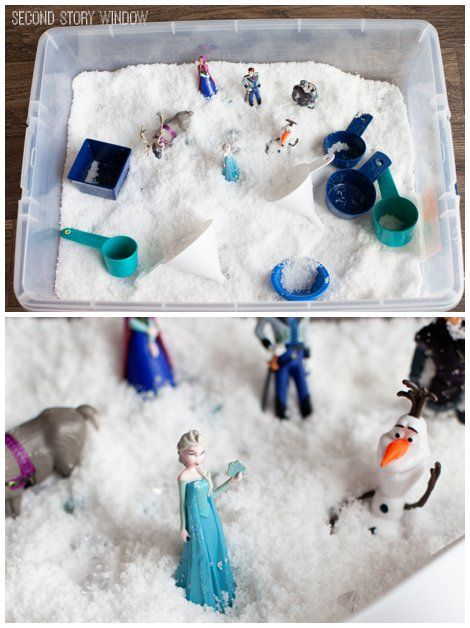 A simple Frozen inspired sensory bin with instasnow