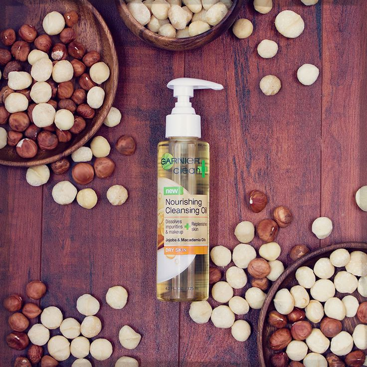 Macadamia oil is one of our secrets for getting clean, super hydrated skin.