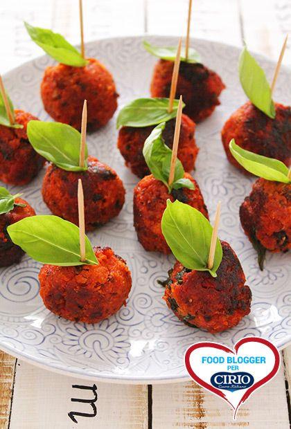 Polpettine #pane, #pomodoro e #basilico    #Cirio, gusta le nostre #ricetta.#recipes #bread #tomato