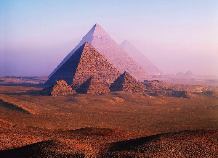 En Égypte, les détecteurs infrarouges utilisés dans le cadre du projet «Scan Pyramids» pour percer les secrets des monuments de Gizeh ont révélé leurs premiers résultats d'analyses.