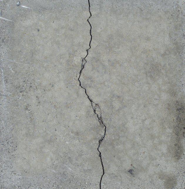 How To Skim Coat Concrete Hunker Concrete Repair Products Cement Walls Concrete Coatings