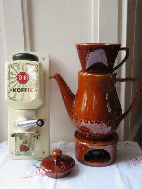 Wandkoffiemolen DE met DE koffiepot (2 ltr) en DE theelichtje