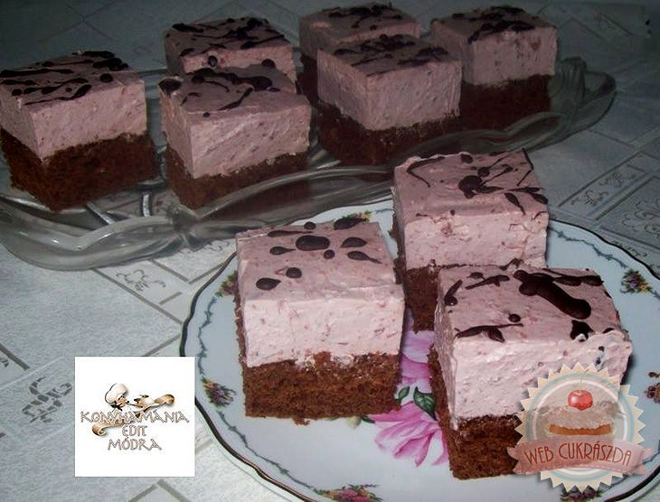 Csokoládés-meggyes joghurtos kocka