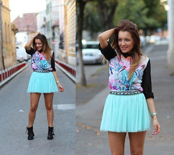 Persunmall Shirt, Bershka Skirt http://www.sandrab.ro/2013/08/exotic-pattern-on-my-shirt.html