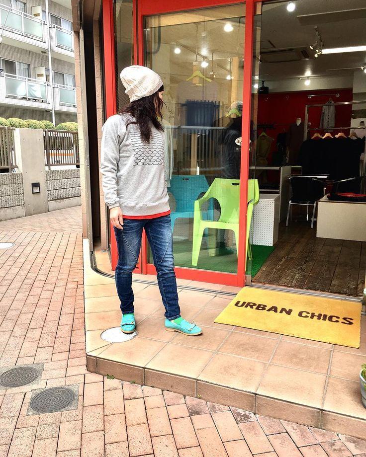 おはようございます 休日ファッションは デニムとトレーナー() #2017fashion #springfashion #coordinate #todayslook #tokyo #japan #urbanchics #knitwear  #アーバンチックス#ニットブランド #アラフィフ #アラフィフコーデ #アラフォー #アラフォーコーデ #東京#調布市#国領