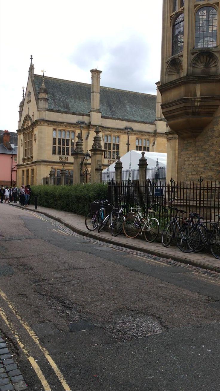 Edificio principal de la Universidad de Oxford, centro de trabajo de Penny