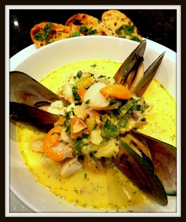 SEAFOOD CHOWDER WITH SNAPPER,SCALLOPS AND MUSSELS
