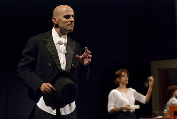 Anna Mastino e Luca Brancato in La morte di Ivan Il'ic di #Tolstoj TeatroLieve, ottobre 2013 Foto di Massimo Fonsatti