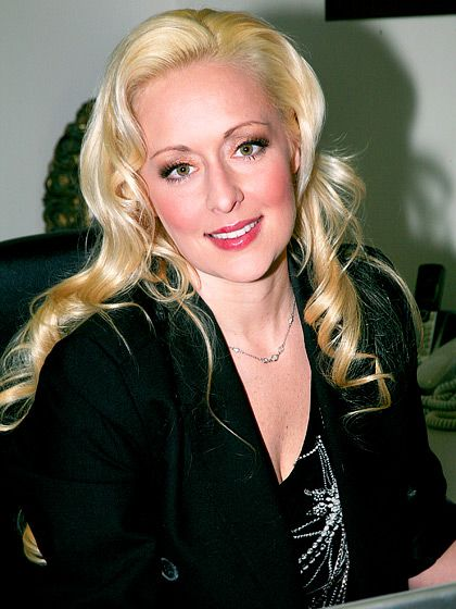 Mindy McCready The country music world reeled when McCready was found dead of an apparent suicide on Feb. 17, 2013, just one month after her boyfriend died of a self-inflicted gunshot wound -he was her life.