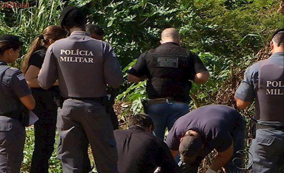 Jovem é morto a tiros e pauladas e corpo é arrastado para matagal em Cariacica