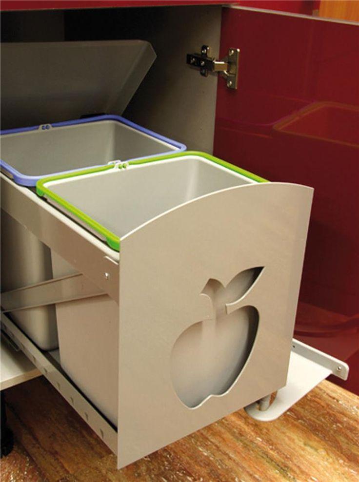 Pour une conduite responsable et écologique au quotidien, cette poubelle de cuisine avec ces deux bacs automatiques facilite le tri de vos déchets. Les bacs coulisssent sur des rails et avance à...