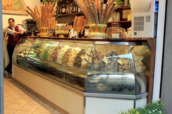 Florence, Italy: Bar Pontevecchio | The Simplest Aphrodisiac: