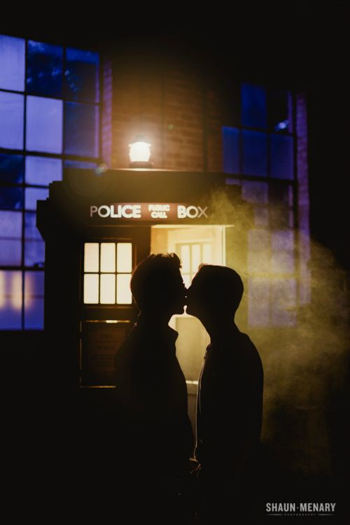 Photos: Gay couple takes Doctor Who themed engagement photos