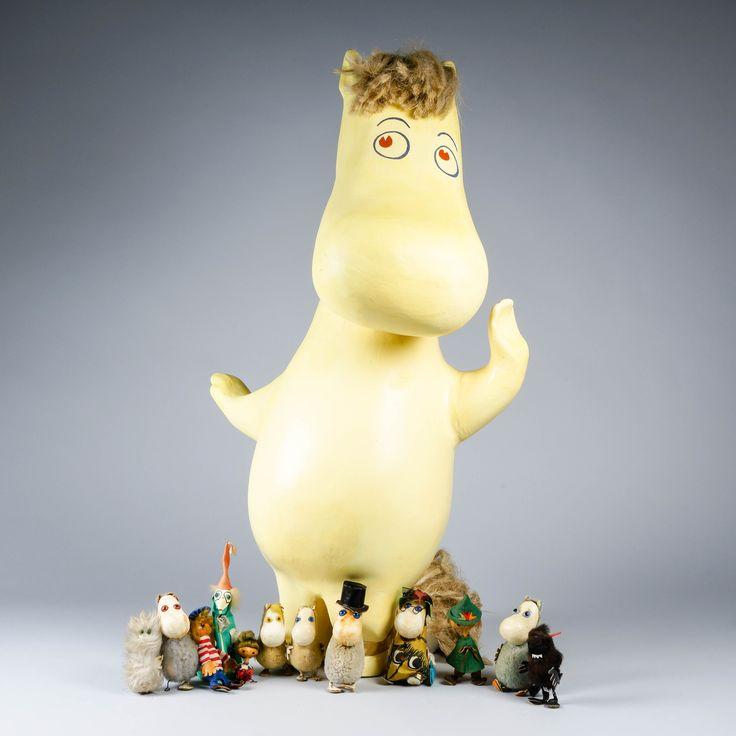 Yleiskuva huhtikuussa myytävistä Muumi-figuriineista.  Preview from the Moomin figurines that are coming in April Auction.