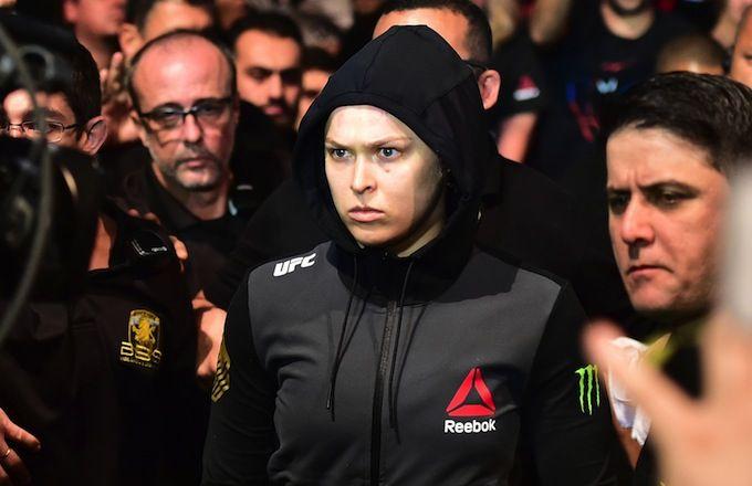 "Ronda Rousey Says She Would Beat Floyd Mayweather in a ""Ruleless Fight"" - Ronda Rousey Says She Would Beat Floyd Mayweather in a ""Ruleless Fight"""