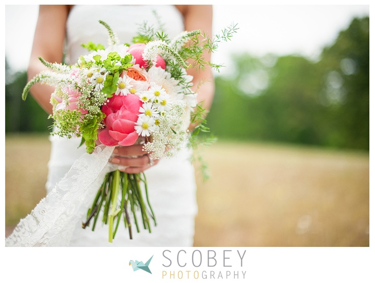 Love the lace with the blooms.  Photo by Scobey Photography // Flowers by Melanie Hernquist