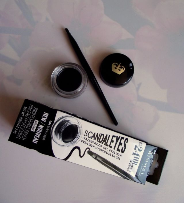 Check out my favorite drugstore eyeliner ever: the Rimmel London ScandalEyes waterproof gel liner. New review on blog :)