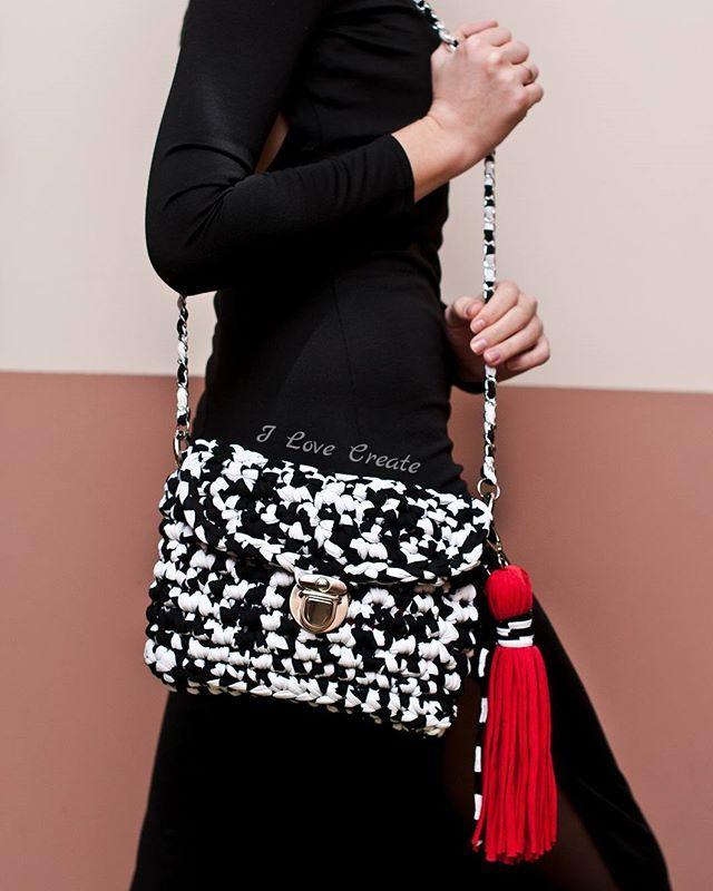 WEBSTA @ i_love_create - Сумочка- кроссбодиВ НАЛИЧИИРазмер 28*20 смСостав: хлопок, полиэстер. Подкладка: креп-сатинЦена 750 грнДля заказа Viber/direct, 099 28 58 726#handmade #crocheting #crochetbags #bags #trend2017 #cloutch #i_love_create #madeinukraine#вяжуназаказ #сумкикрючком #сумкиручнойработы #дизайнерскиесумки #сумкивналичии #сумкиназаказ #сумканацепочке #модныесумки #клатч #модныйклатч #куплюсумку #кроссбоди #мода #заказатьсумку #украина #киев #подаркидевушкам #подаркина14февраля #п