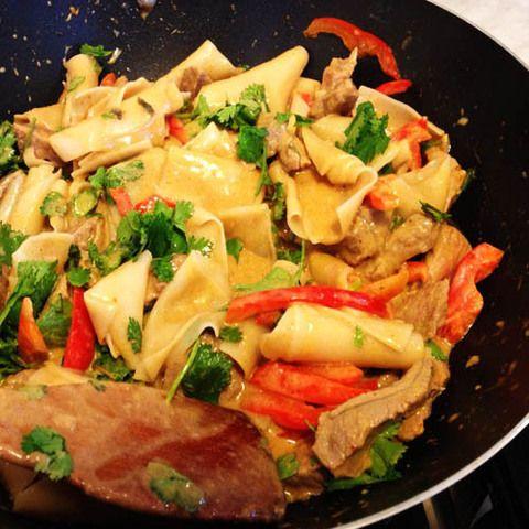Говядина и клецки в карри Матсаман: вкусные тайские рецепты