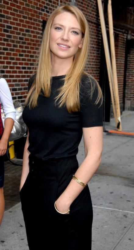 Anna Torv arriving at Letterman