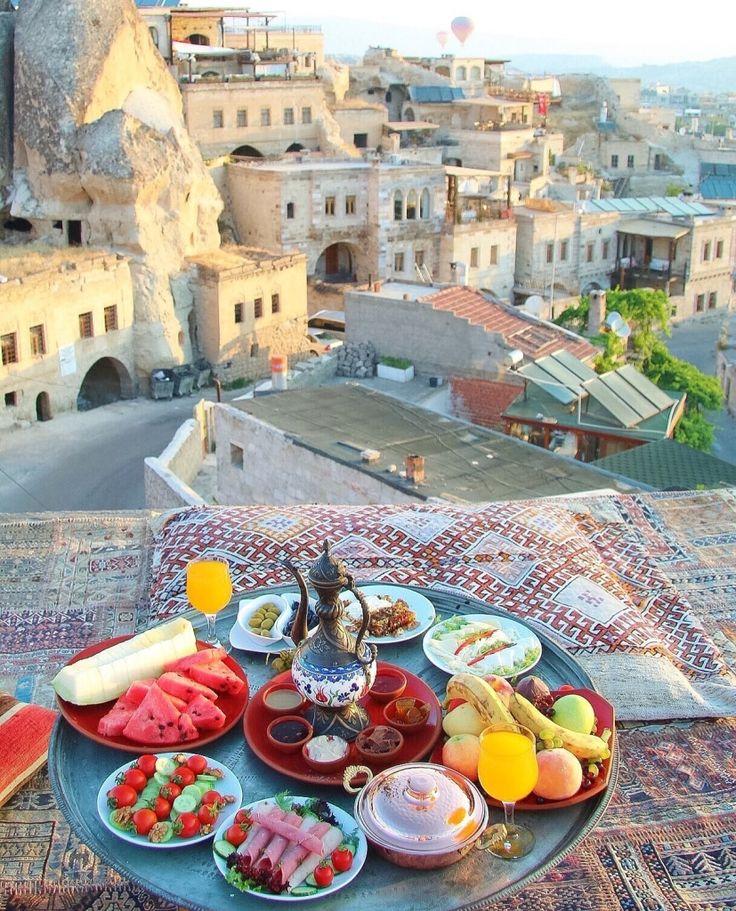 Breakfast in CAPPADOCIA ~~ Sultan Cave Suites ,Cappadocia,Turkey // Picture by PILOTMADELEINE #goreme #kapadokya #cappadocia #Breakfast #Turkey