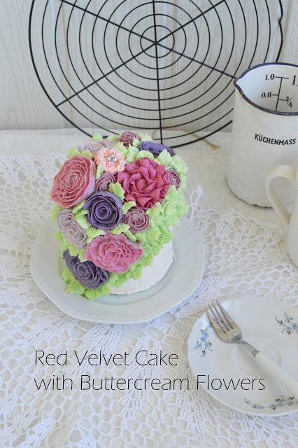 ABOUT VERENA : Red Velvet Torte mit Buttercreme Blumen / Red Velvet Cake with Buttercream Flowers