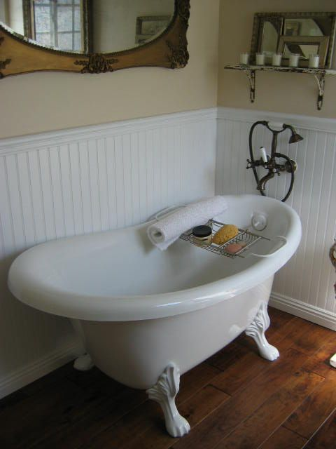 Love the white beaded board  claw foot tub and telephone handle shower faucet Best 25 Clawfoot tubs ideas on Pinterest bathtub