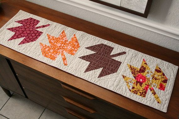 Maple Leaf Quilt Pattern Table Runner : 1000+ images about Quilting- Canadian themed quilts on Pinterest Quilt, 24 blocks and Leaf ...