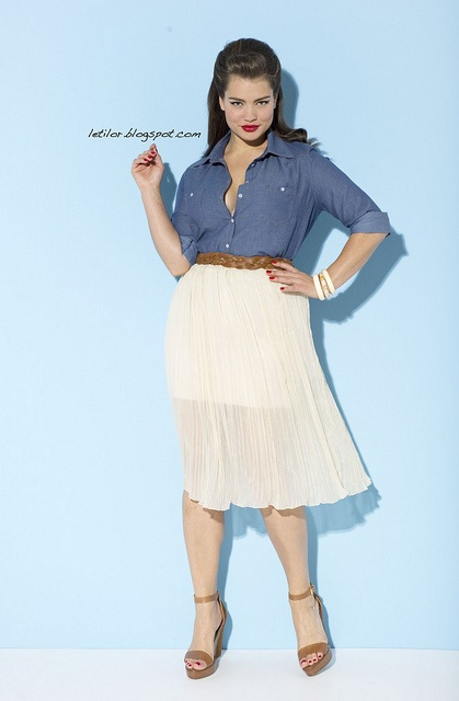 Plus size model Tara Lynn. (I don't understand how she is considered plus size.) But she is beautiful! :)
