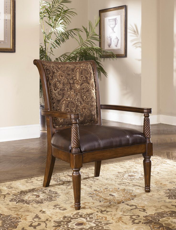 Signature Design By Ashley Maytown Showood Accent Chair