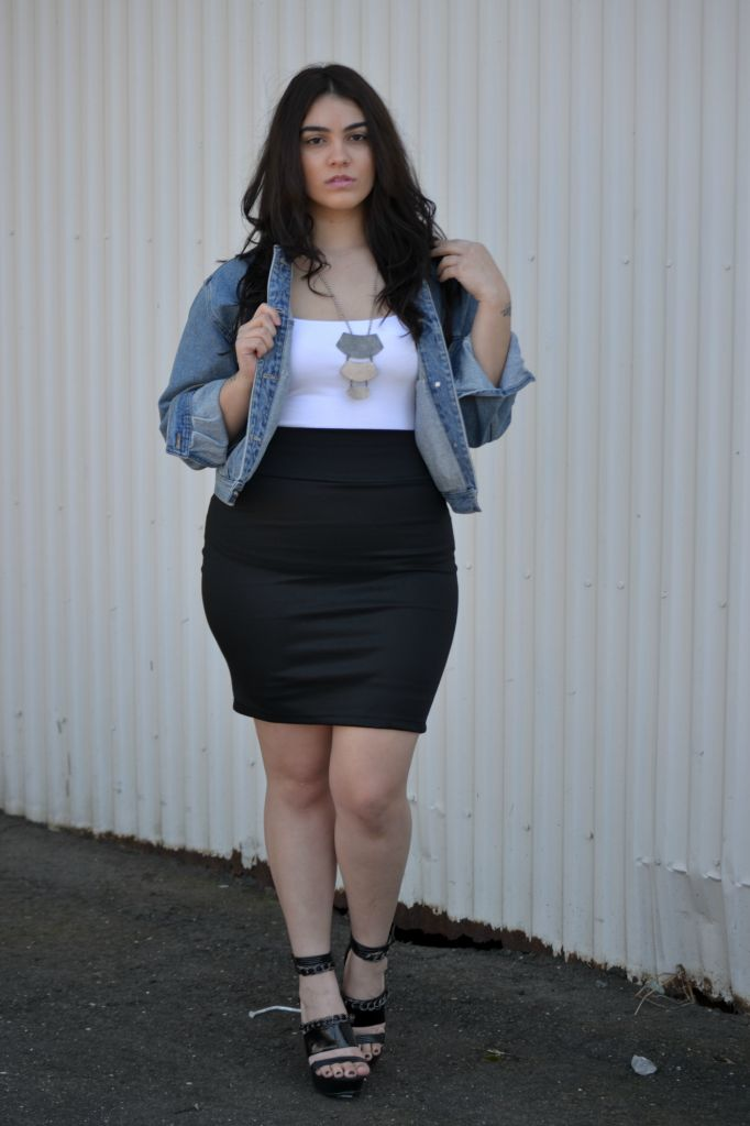 Curvy style blogger! Nadia Aboulhosn