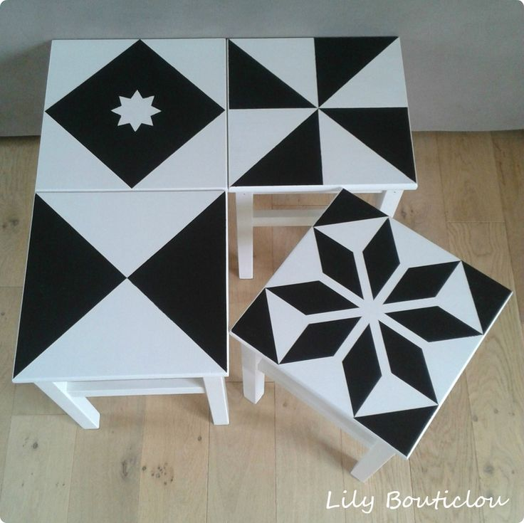 Relooking des tabourets IKEA Oddvar façon carreaux de ciment