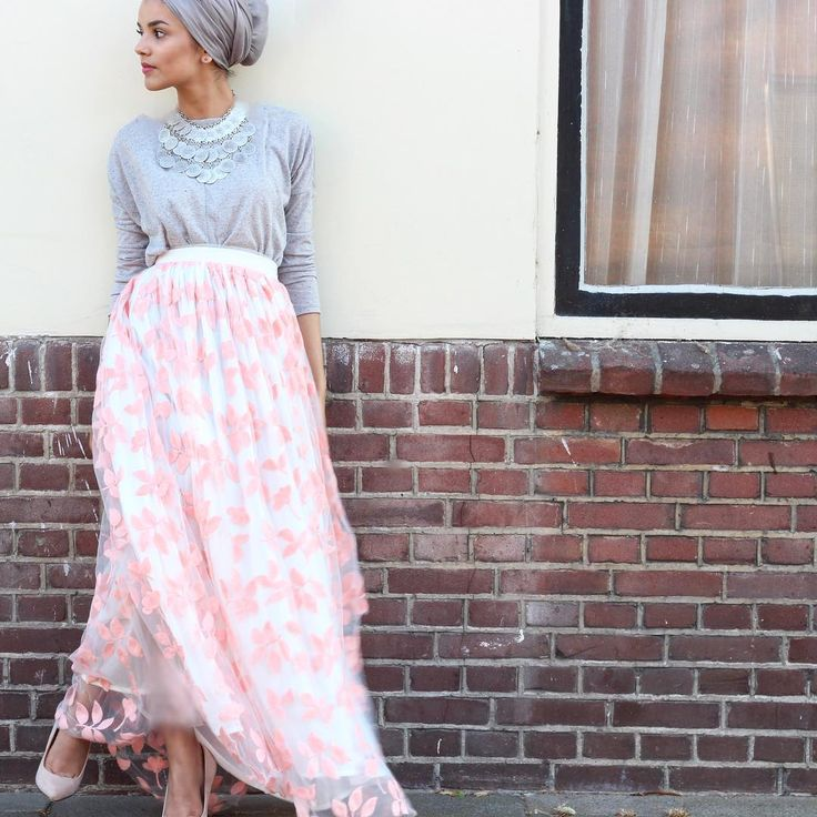 Pinned via Nuriyah O. Martinez | V&D Lookbook | turbanista hijabista mipster Eid outfit ideas