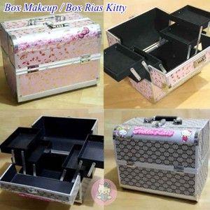 Box Tempat Make up Rias Hello Kitty BOX MAKE UP RIAS HELLO KITTY - BOX MAKE UP HELLO KITTY – TAS MAKE UP HELLO KITTY – TEMPAT MAKE UP HELLO KITTY : SEBUAH TEMPAT UNTUK ALAT RIAS DENGAN KARAKTER HELLO KITTY,LENKAPI AKSESORIS UNTUK PERLENGKAPAN RIAS/MAKEUP DENGAN PRODUK INI.
