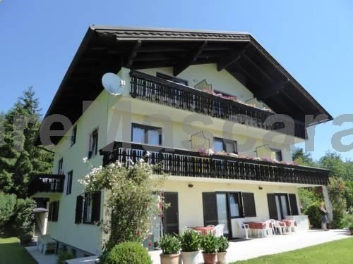 Pension Waldschenke am Wörthersee Velden am Wörthersee Pension Waldschenke am Wörthersee offers accommodation in Velden am Wörthersee. Certain units feature a seating area where you can relax. Some units have views of the mountain or pool. Rooms have a private bathroom fitted with a shower.