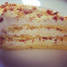 Saftig Krokankake med smørkrem og vaniljekrem