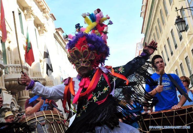 2016 | XI FESTIVAL INTERNACIONAL DE LA MASCARA IBERICA, EN LISBOA, PORTUGAL. FOTO: XINHUA (5 AL 8 MAY 2016) (900×620)