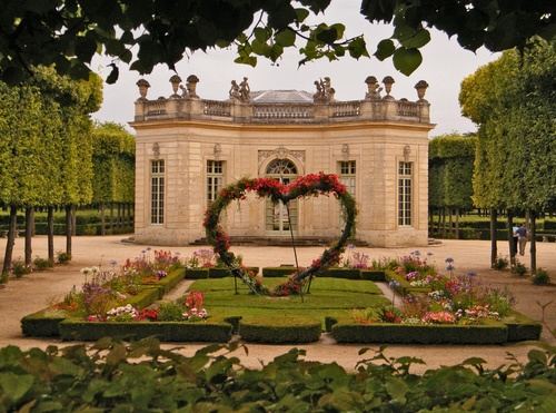 Jean-Louis Fargeon was asked by Marie-Antoinette to create a perfume reminiscent of her favorite retreat, the Petit Trianon. Visit the source to read a passage from A Scented Palace: The Secret History of Marie Antoinette's Perfumer describing some of the notes from this perfume: http://vivelareine.tumblr.com/post/954794839