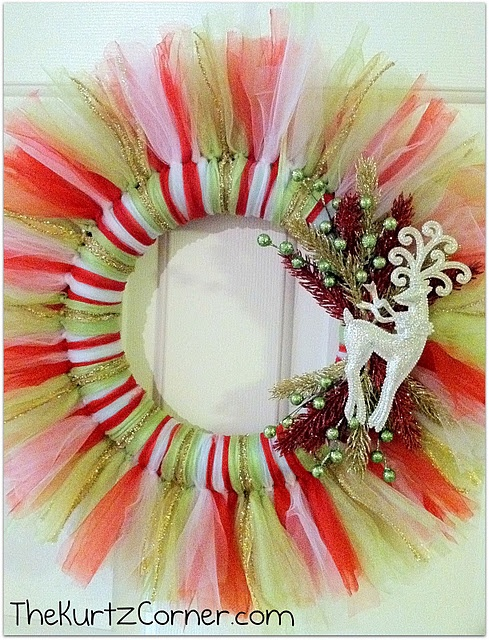 tulle wreath - really, any season or occasion just change the colors and ornaments