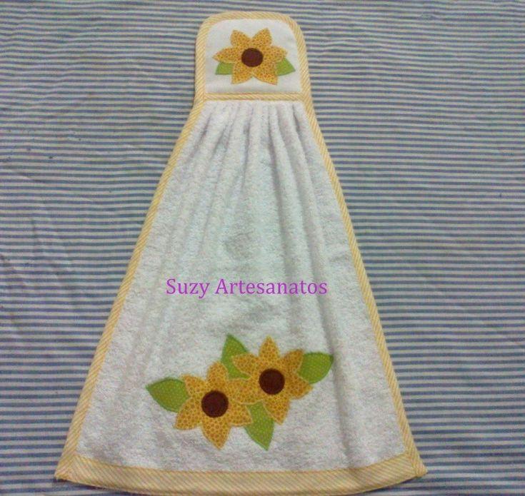 Toalha bate-mão em tecido atoalhado com aplicação 100% algodão , contorno e barrado em viés, a cor e a aplicação o cliente escolhe.  Preço unitário.