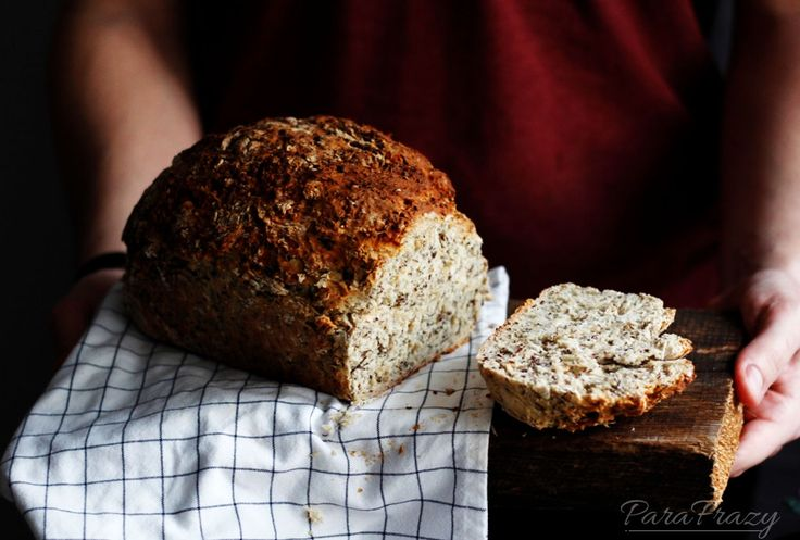 Homemade bread <3 http://parafrazy.pl/razowy-chleb-z-nasionami-chia/