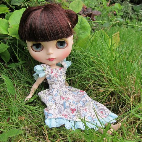Handmade Blythe Mori girl dress with pastel flowers for Neo Blythe dolls