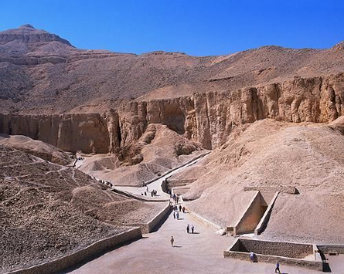 VALLEY OF THE KINGS                  Google Image Result for http://www.cityknown.com/MainPhotos/002/Attractions/223498373484370.jpg