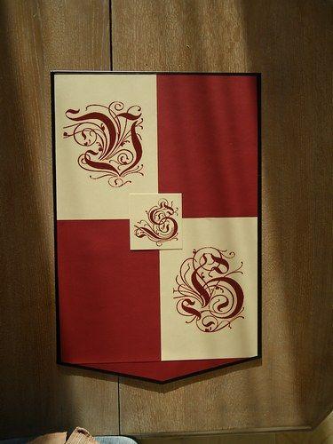 Décoration de notre mariage médiéval - Notre blason avec nos initiales