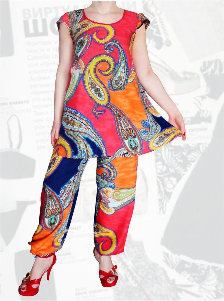 47$ Летний брючный костюм из штапеля с туникой свободного покроя и брюками алладинками для полных девушек Артикул 666, р50-64 Женские костюмы большие размеры  Женские костюмы с брюками большие размеры Штапельные брючные костюмы большие размеры Летний брючный костюм большие размеры
